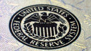 EURUSD: На что обращать внимание в протоколах ФРС. Инфляция в еврозоне и Великобритании снижается thumbnail